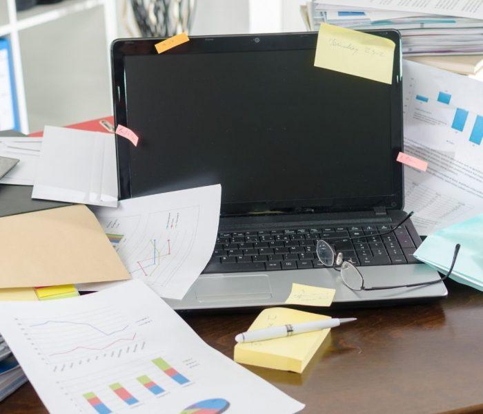 sistemare-la-scrivania